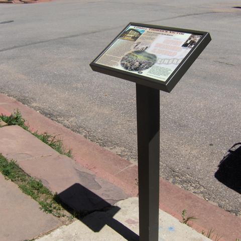 Single Pedestal Pannier Graphics Durable Outdoor Signs