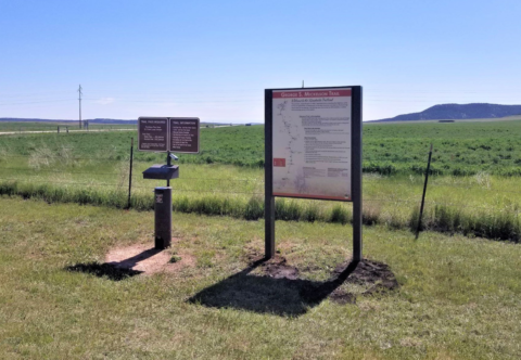 interpretive trail signs